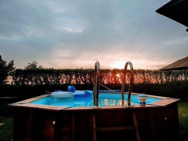 zahradní bazén.jpg